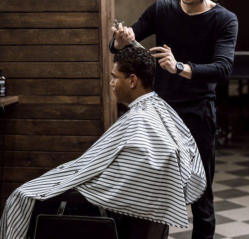 un coiffeur à Montélimar